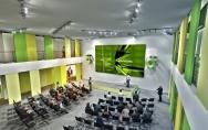 Technopark Pomerania reprezentacyjna, dwukondygnacyjna sala konferencyjna w biurowcu F2 www.spnt.pl